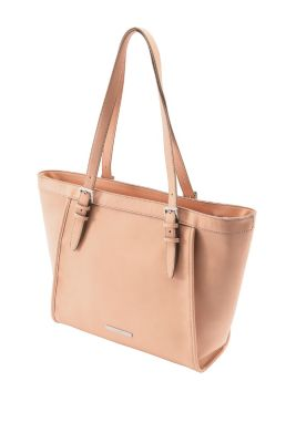 Jag tycker den här väskan från Esprit är jätte fin och faktiskt inte alls  speciellt dyr. 45bf4cd05636f